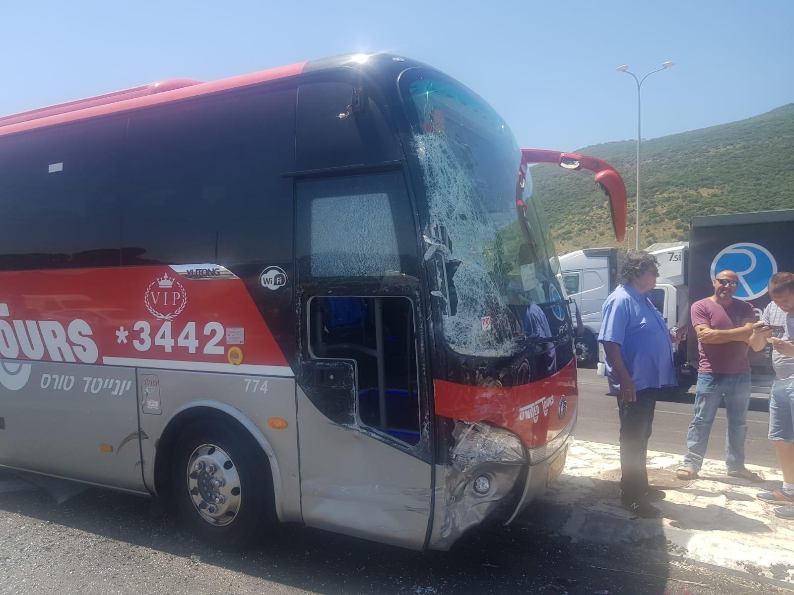 حادث طرق بالقرب من حيفا نتج عنه 4 اصابات متفاوتة