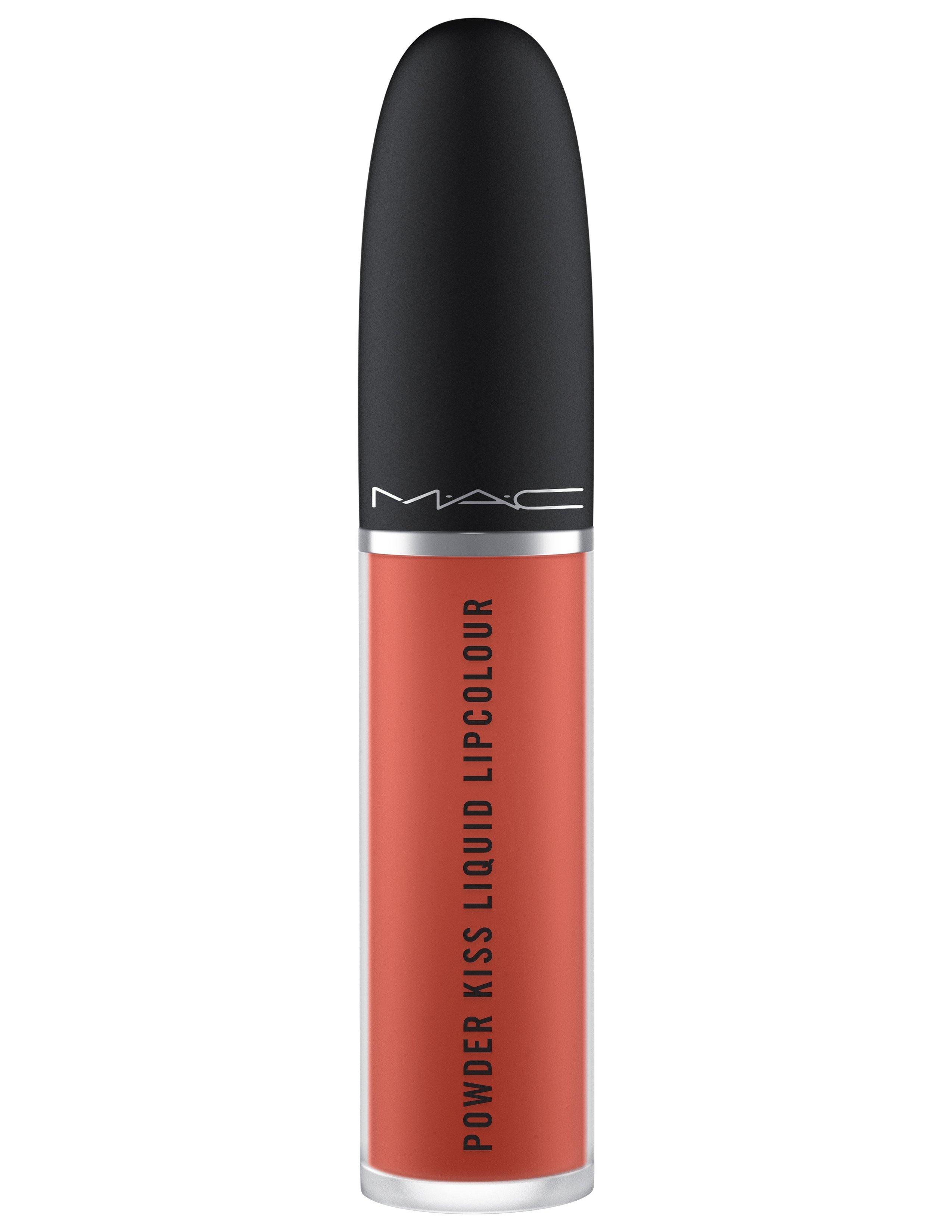 ماركة الماكياج العالمية M.A.C توسع مجموعة Powder Kissمع منتجات جديدة للشفتين والعينين