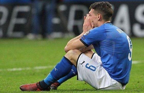 نكسة الكرة الإيطالية .. اعتزالات وبكاء وخسارات مادية بعد الفشل بالتأهل للمونديال
