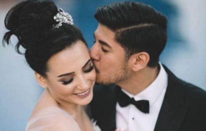 فنانة تضع مولودها الأول بعد أقل من 7 أشهر على زواجها!