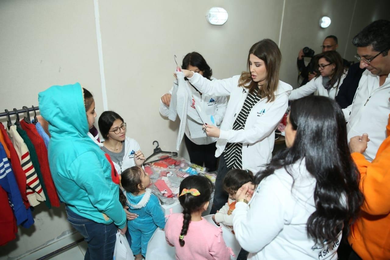 نانسي عجرم تشارك في حملة لدعم قرى مصر الفقيرة