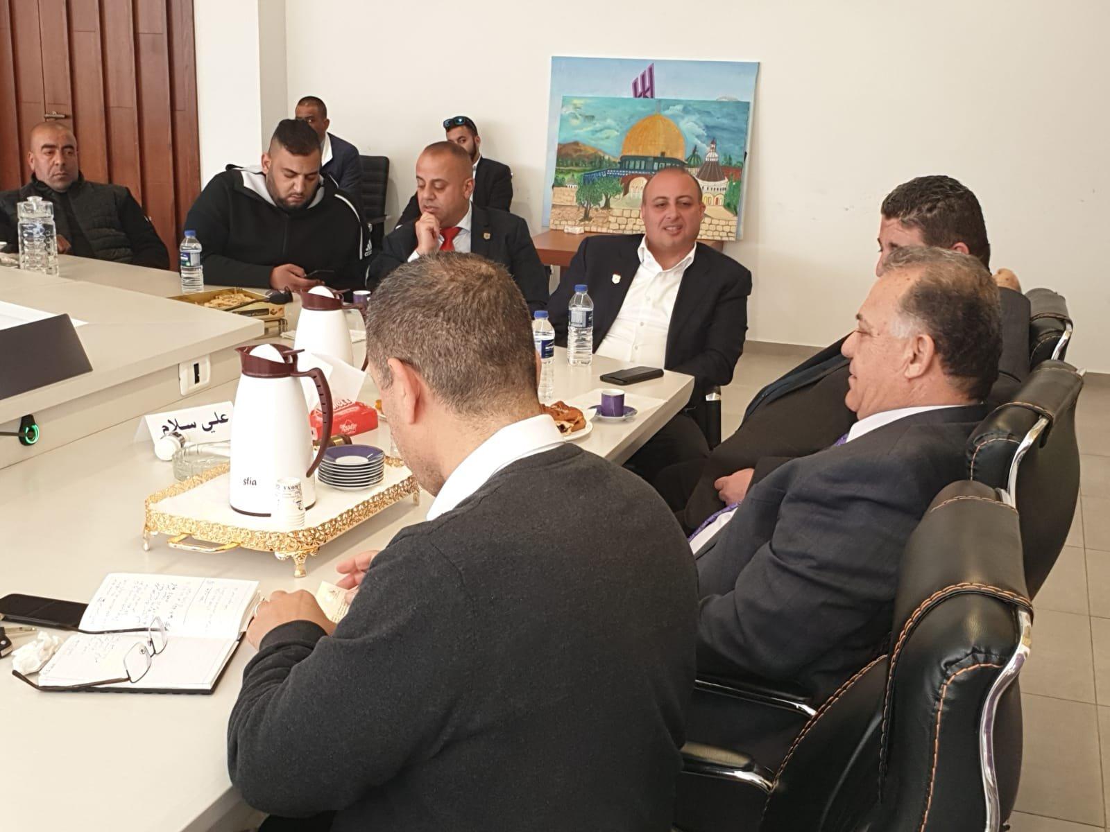 وفد من جامعة عمان الأهلية يزور بلدية الناصرة
