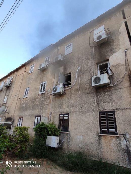 تخليص 3 اولاد اصيبوا جراء حريق شب في شقه سكنيه في بيتح تكفا