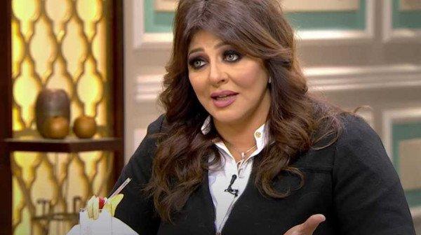 شاهد: هالة صدقي تنقذ حياة حماها رغم صراعاتها مع زوجها