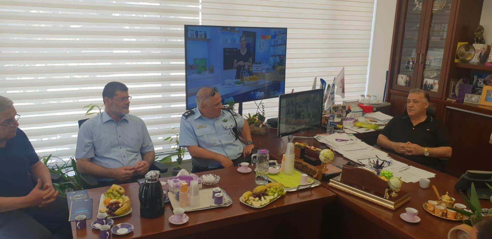 رئيس بلدية الناصرة يجتمع بقائد شرطة الناصرة الجديد