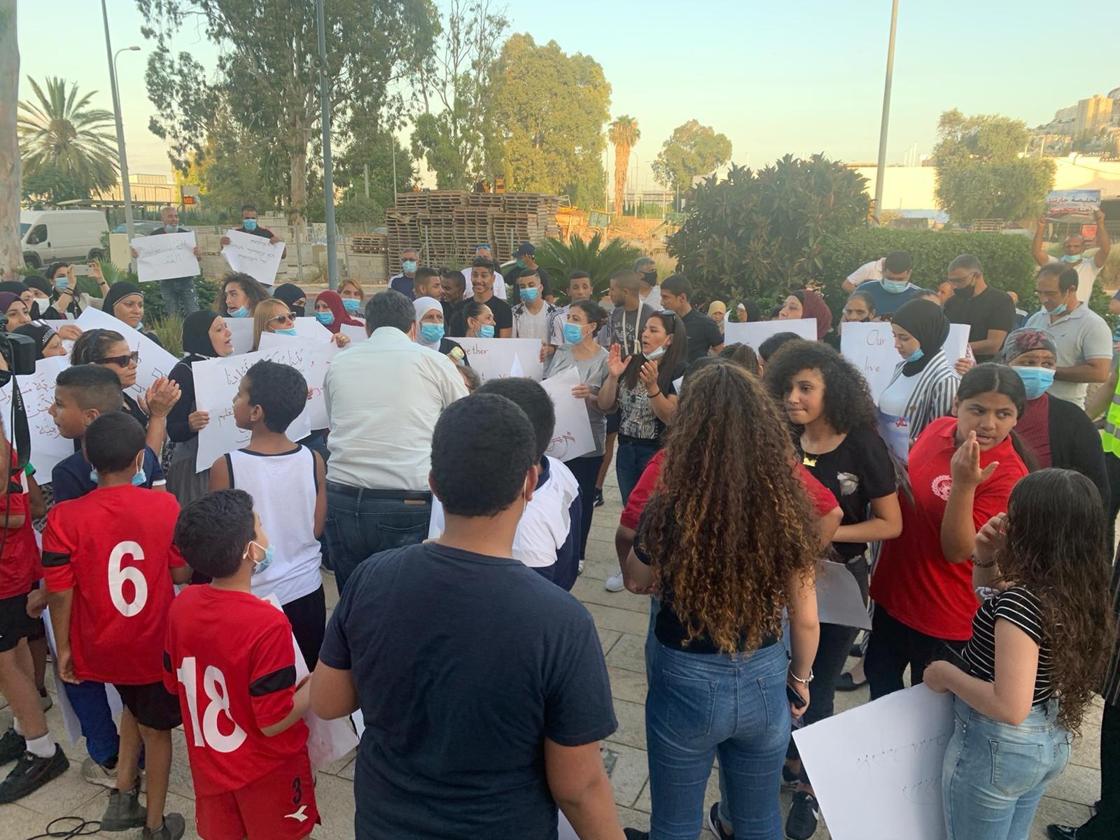 مقابل مقر لواء الشاطئ: صرخة حيفاوية ضد القتل واهمال الشرطة