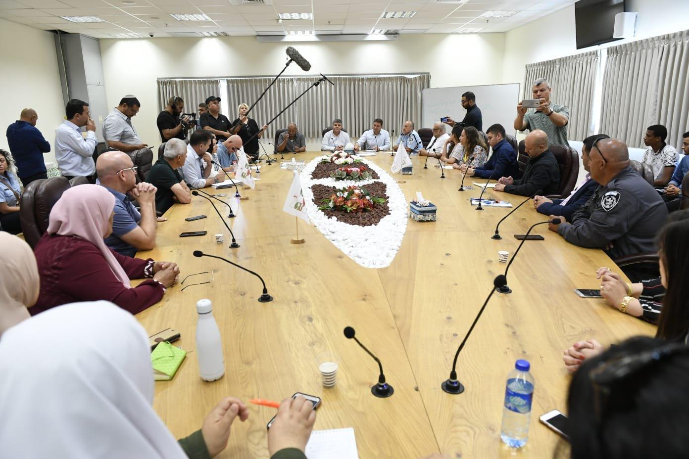 لأول مرة:إنعقاد مؤتمر لبحث تداعيات العنف والجريمة في المجتمع العربي بمبادرة مركز السلطات المحلية