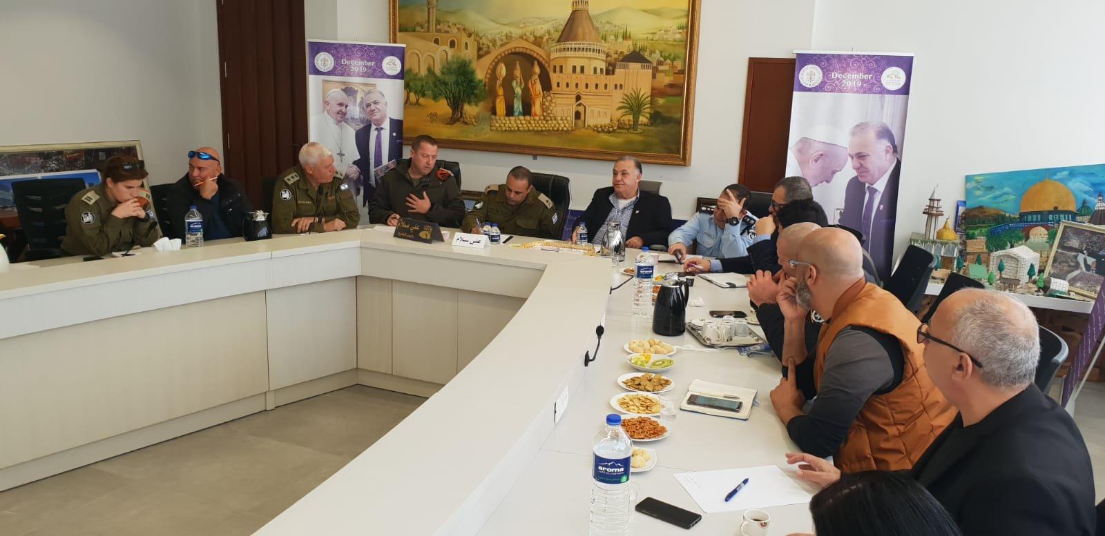 لجنه الطوارئ في بلدية الناصرة تعقد جلسه عمل مع الجبهة الداخلية-1