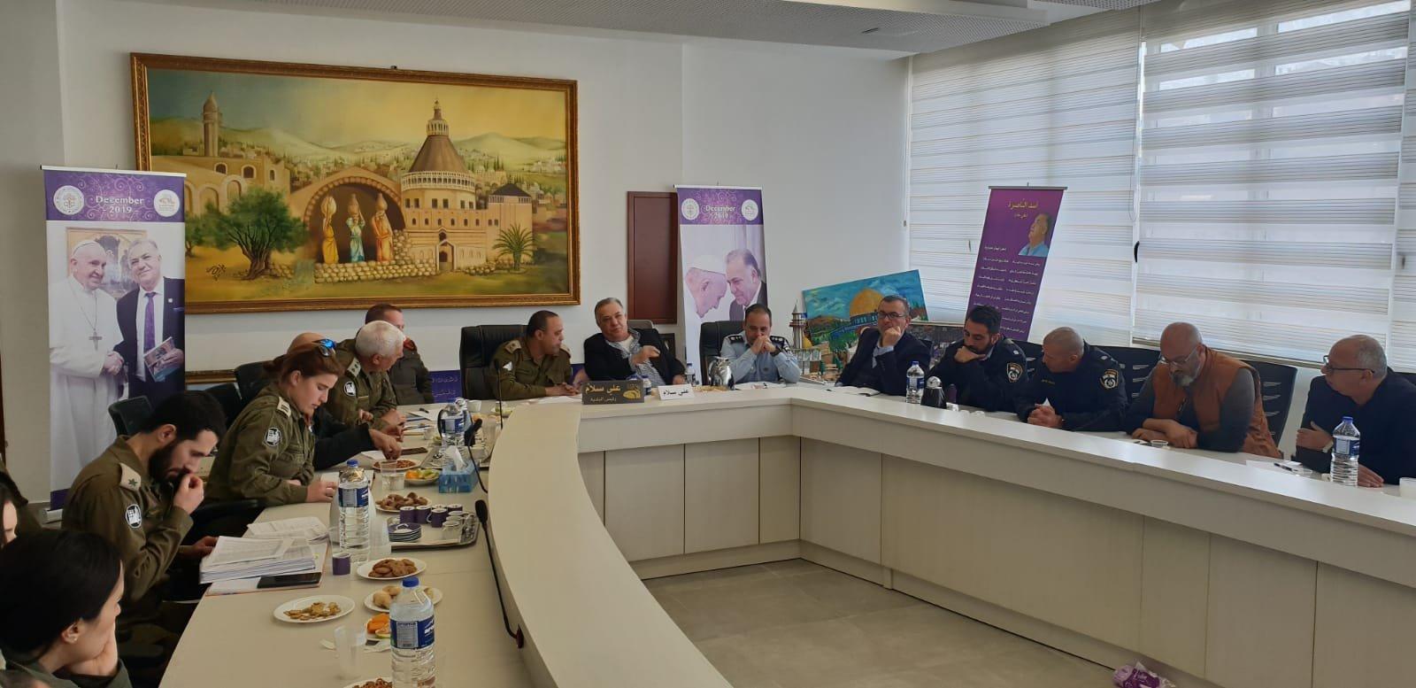 لجنه الطوارئ في بلدية الناصرة تعقد جلسه عمل مع الجبهة الداخلية-8