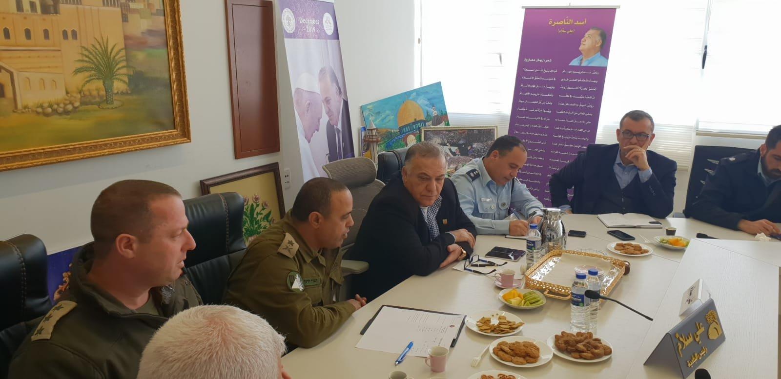 لجنه الطوارئ في بلدية الناصرة تعقد جلسه عمل مع الجبهة الداخلية-9