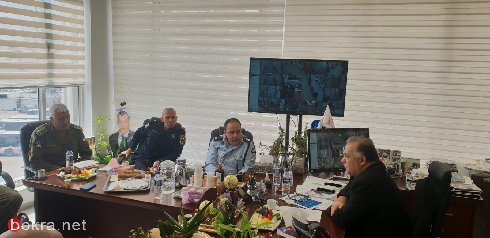 جلسة عمل مع قيادة الشرطة وقائد الجبهة الداخلية في بلدية الناصرة-1