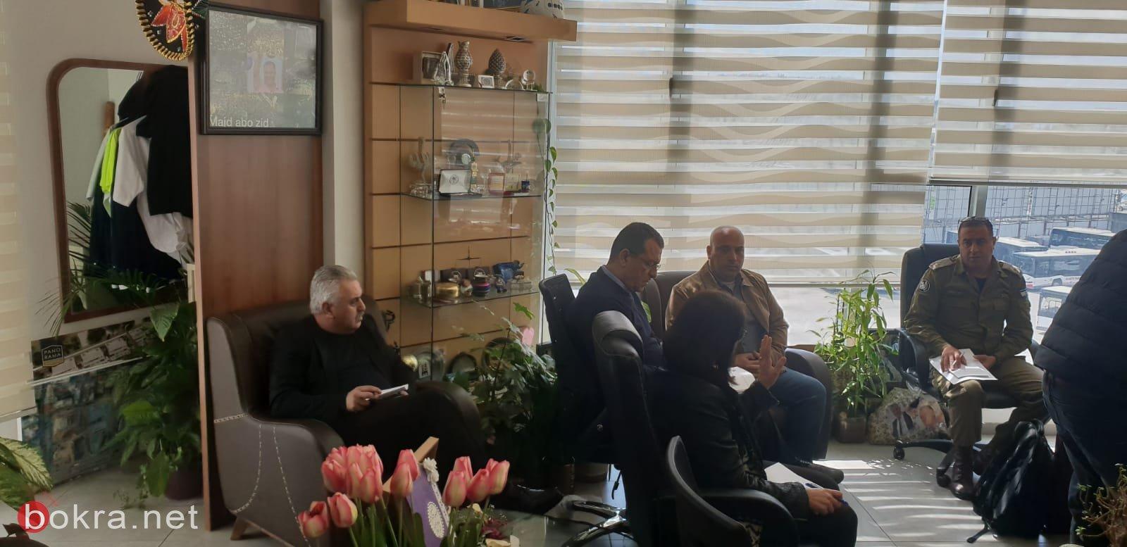 جلسة عمل مع قيادة الشرطة وقائد الجبهة الداخلية في بلدية الناصرة-2