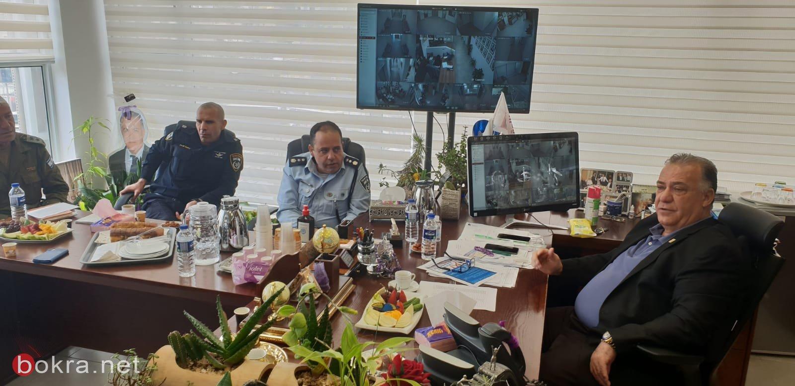 جلسة عمل مع قيادة الشرطة وقائد الجبهة الداخلية في بلدية الناصرة-3