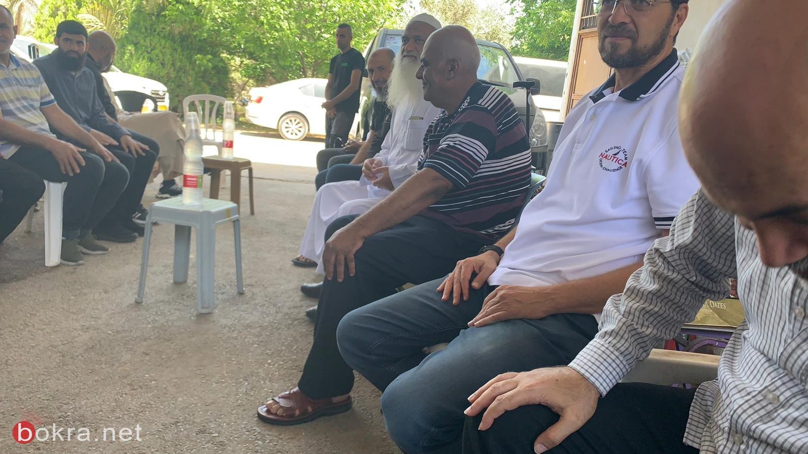 اللد:وفد  من اللجنة الشعبية والقيادات السياسيةد يزور منزل السيد عرفات اسماعيل
