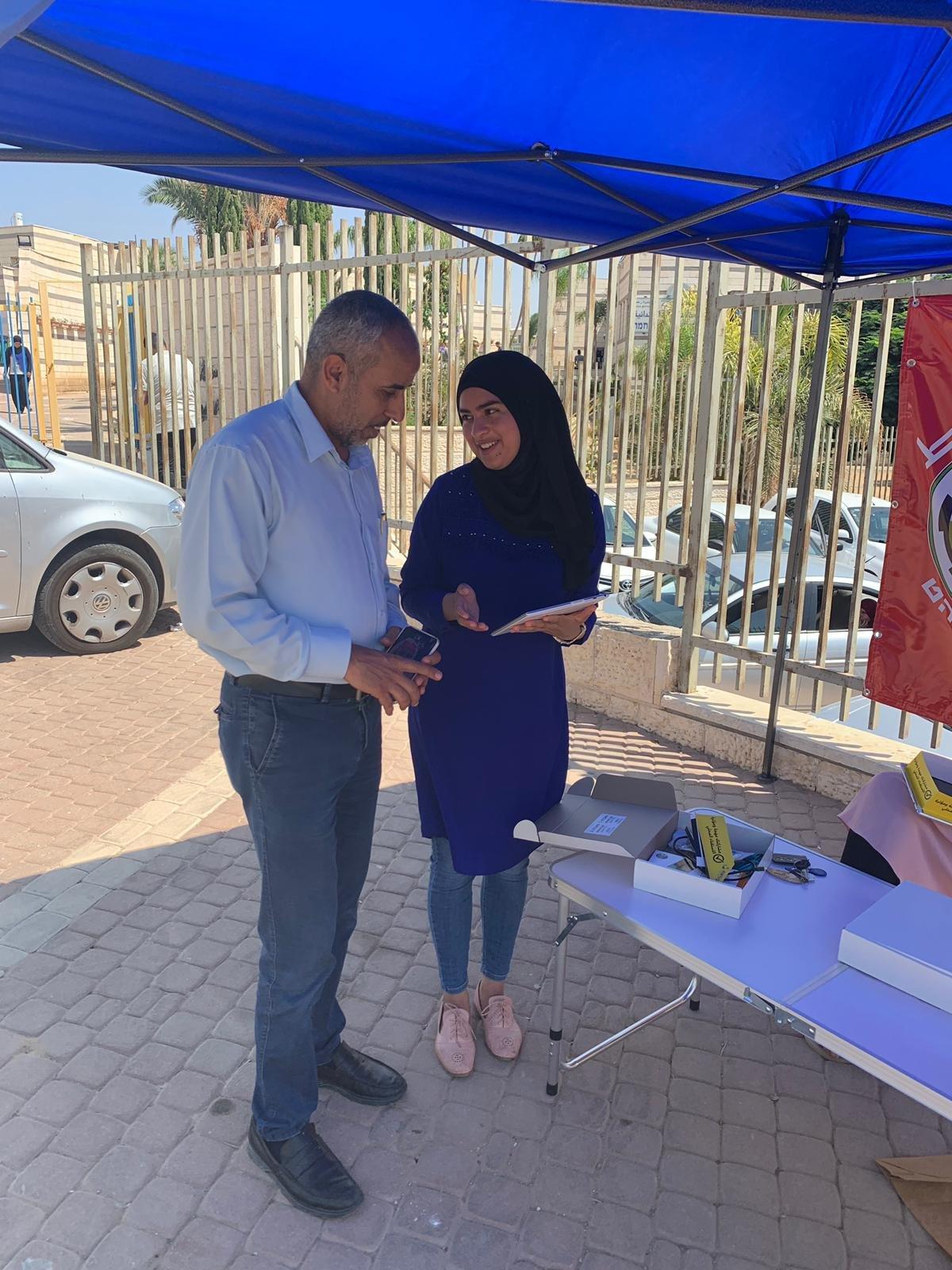 أهل البلد يؤثرون: المئات يتوافدون للمشاركة بالاستفتاءات الشعبية بـ9 من وبلدات عربية
