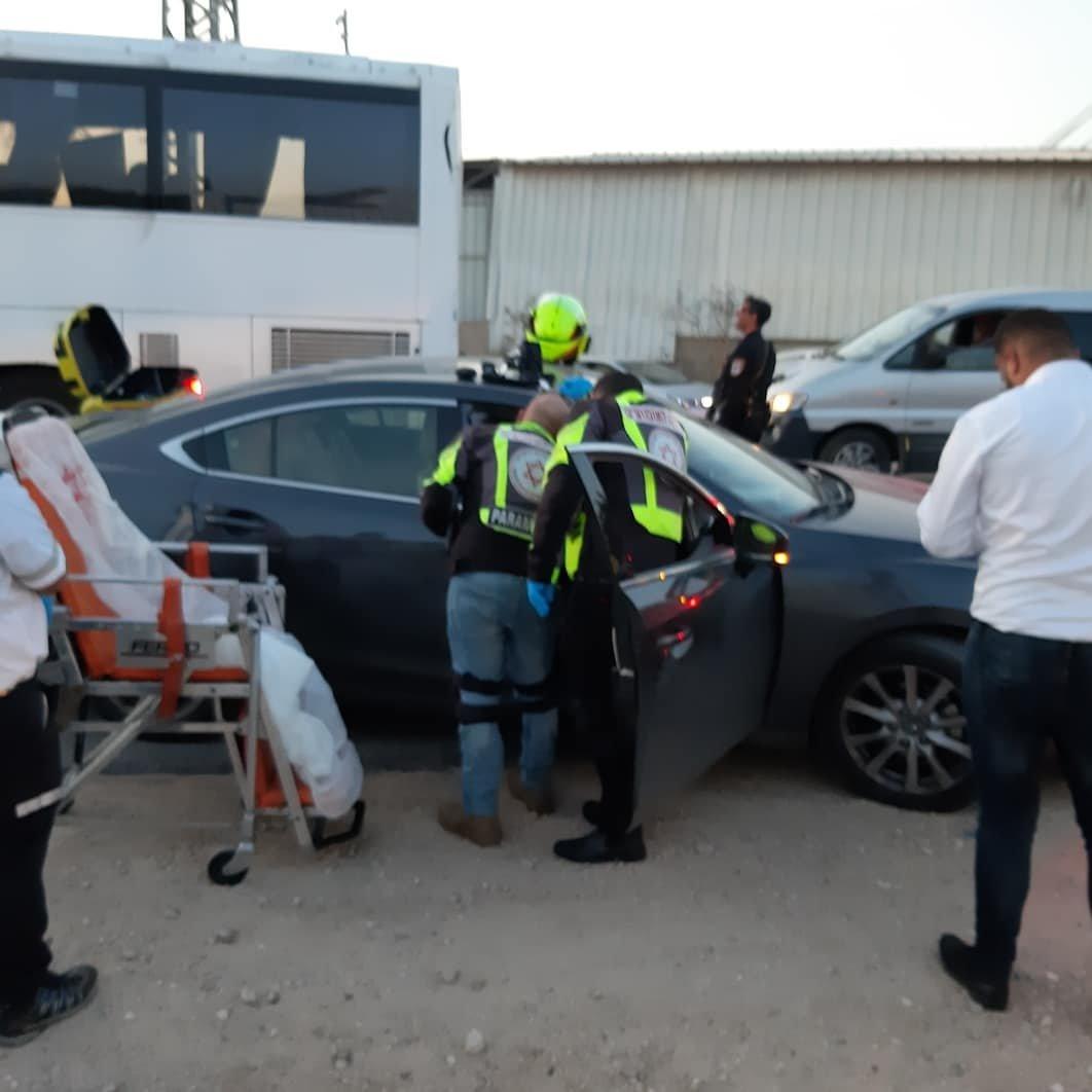 اصابة النائب د. منصور عباس في حادث طرق عل شارع كفربرا جلجولية