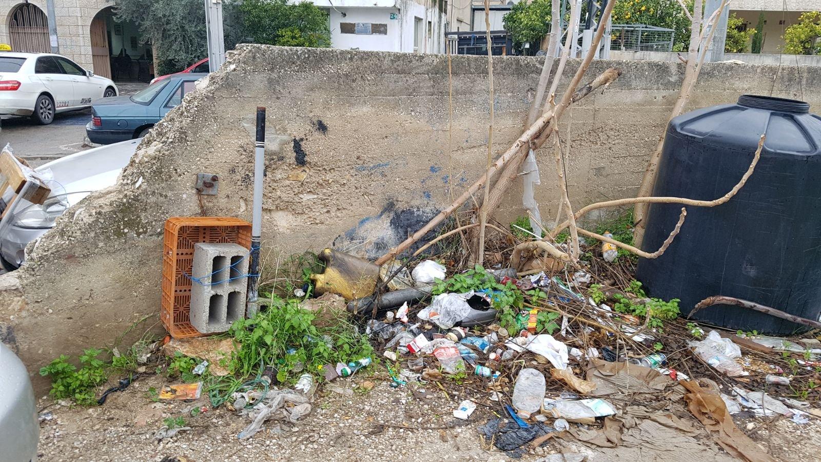 الناصرة: البلدية تقوم بتنظيف أرض الوقف بالحي الشرقي-7
