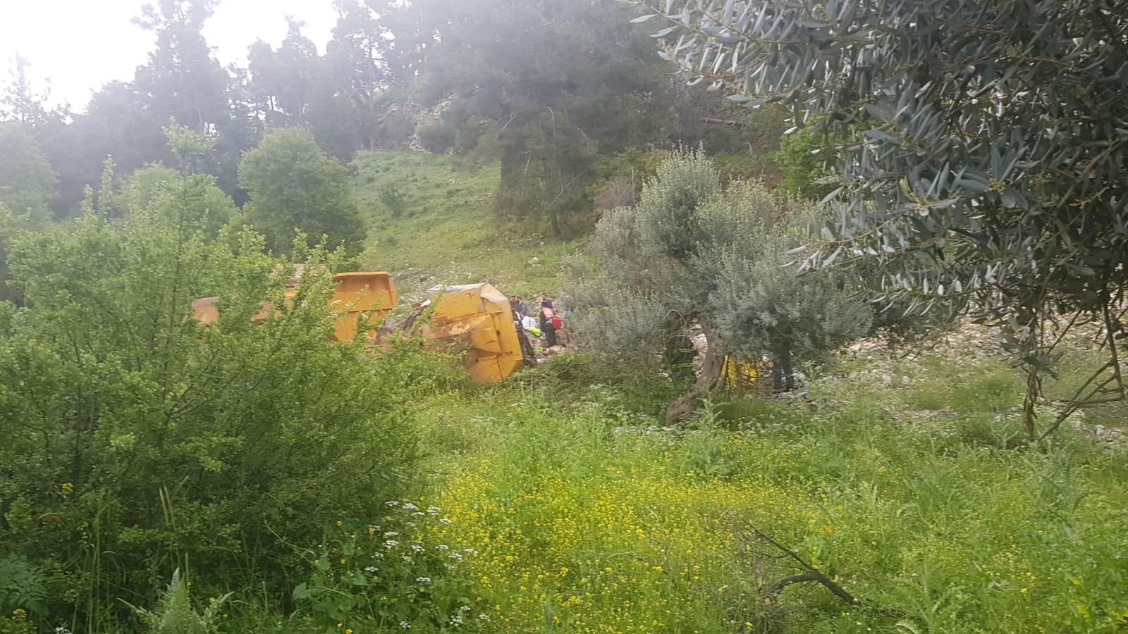 تدهور شاحنة في منحدر قرب صفد ومصرع سائقها