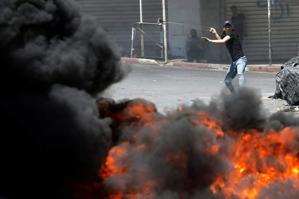 شهيد وعشرات الإصابات خلال مواجهات مع الاحتلال شمال البيرة-2