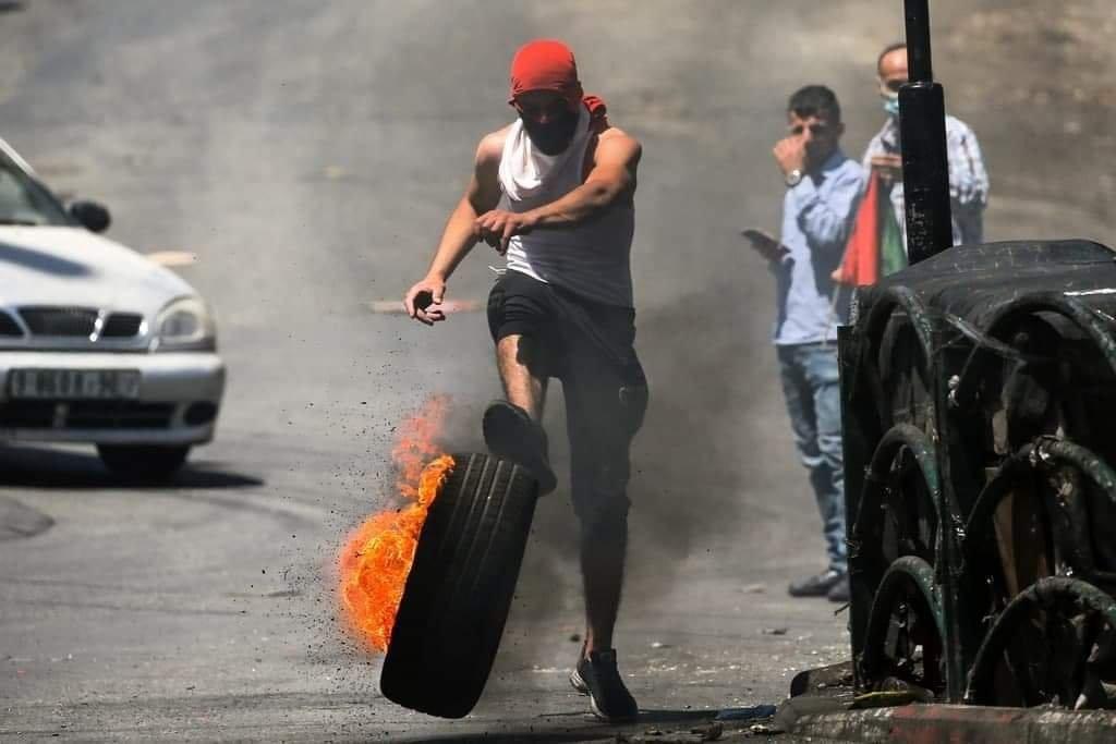 شهيد وعشرات الإصابات خلال مواجهات مع الاحتلال شمال البيرة-7