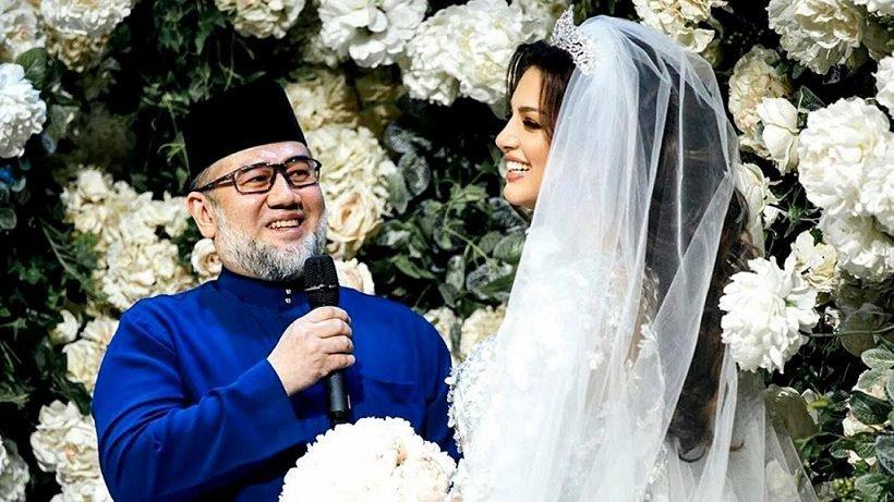 زواجهما أثار الجدل.. ملك ماليزيا السابق لملكة جمال موسكو: طالق بالثلاثة!
