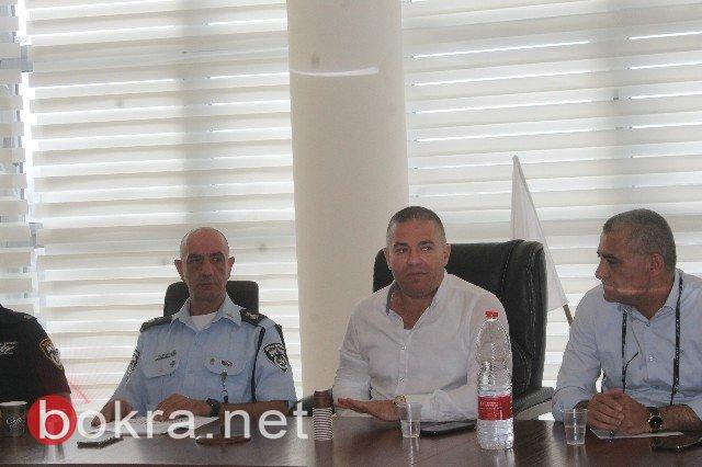 سخنين تجتمع مع ضابط شرطة مسجاف لمكافحة ظاهرة العنف
