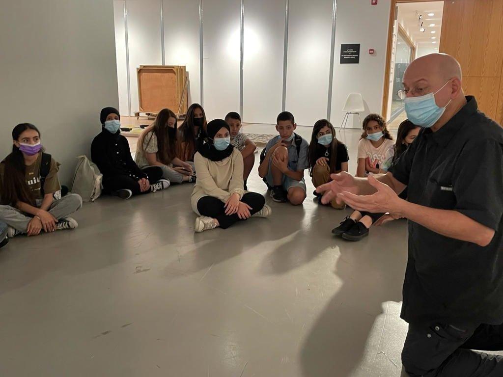 طلاب طمرة  وقلنسوة بزيارة لمتحف تل ابيب-2