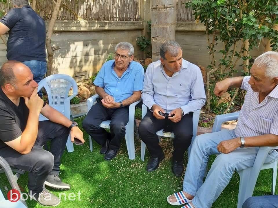 قريب المرحومة آية، طارق نعامنة: تلقت العائلة الخبر وهي على متن الطائرة، ولم تعرف حتى الان اسباب الوفاة