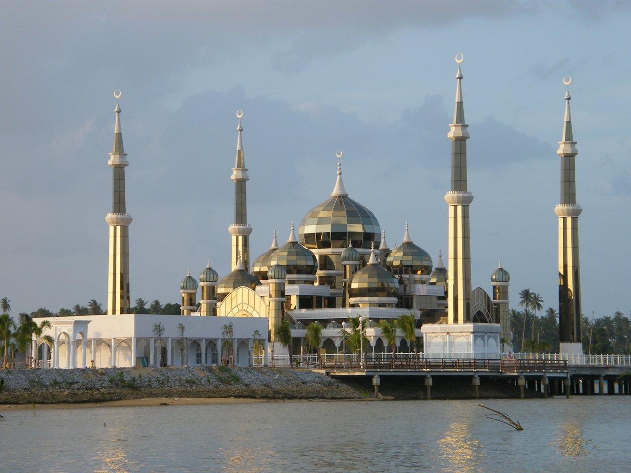 السياحة في ماليزيا: عناوين ونشاطات لا تفوت
