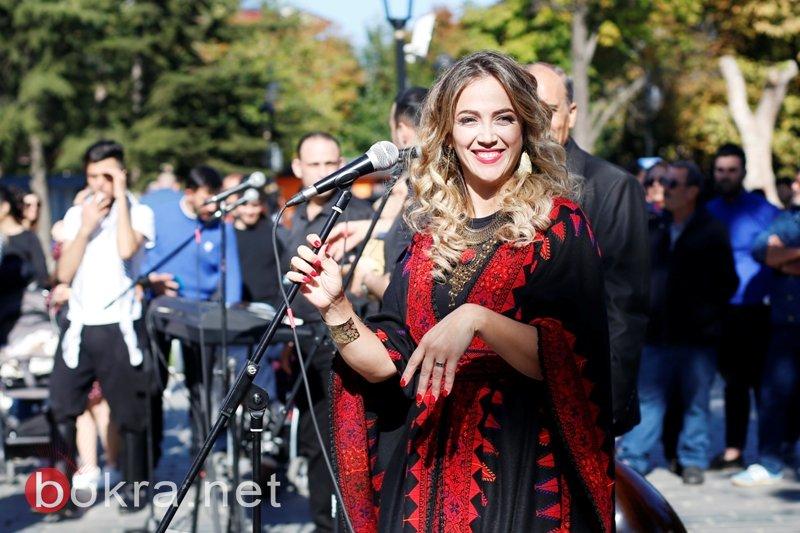 دلال ابو آمنة تغني مزيج من التراثين التركي والفلسطيني  يا زماني