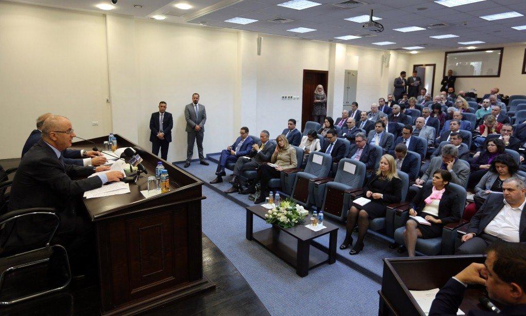 السلطة الفلسطينية تتحدث عن موازنة تقارب 6 مليار دولار للعام الجاري