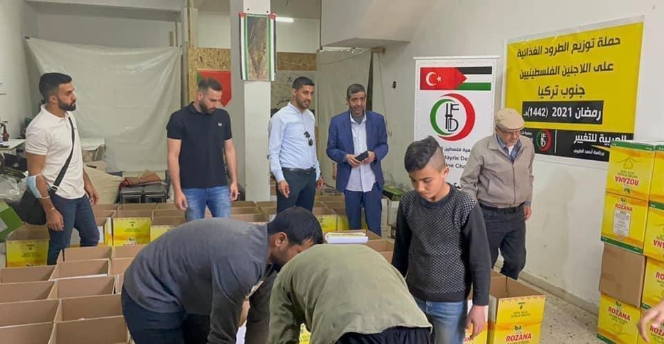 بمبادرة العربية للتغيير: طرود غذائية ودعم مادي وافطارات رمضانية لأسر اللاجئين الفلسطينيين النازحين من سوريا في كلس جنوب تركيا-2