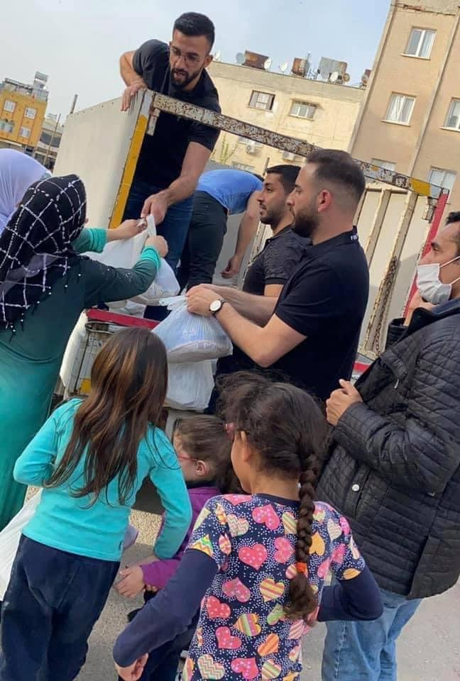 بمبادرة العربية للتغيير: طرود غذائية ودعم مادي وافطارات رمضانية لأسر اللاجئين الفلسطينيين النازحين من سوريا في كلس جنوب تركيا-3