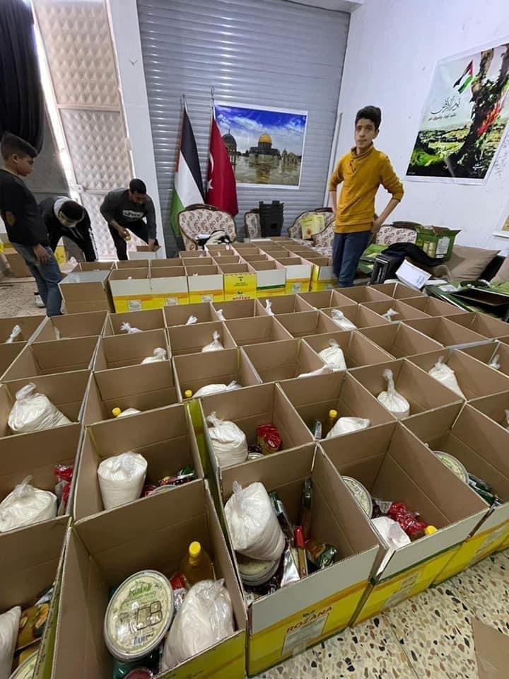 بمبادرة العربية للتغيير: طرود غذائية ودعم مادي وافطارات رمضانية لأسر اللاجئين الفلسطينيين النازحين من سوريا في كلس جنوب تركيا-4