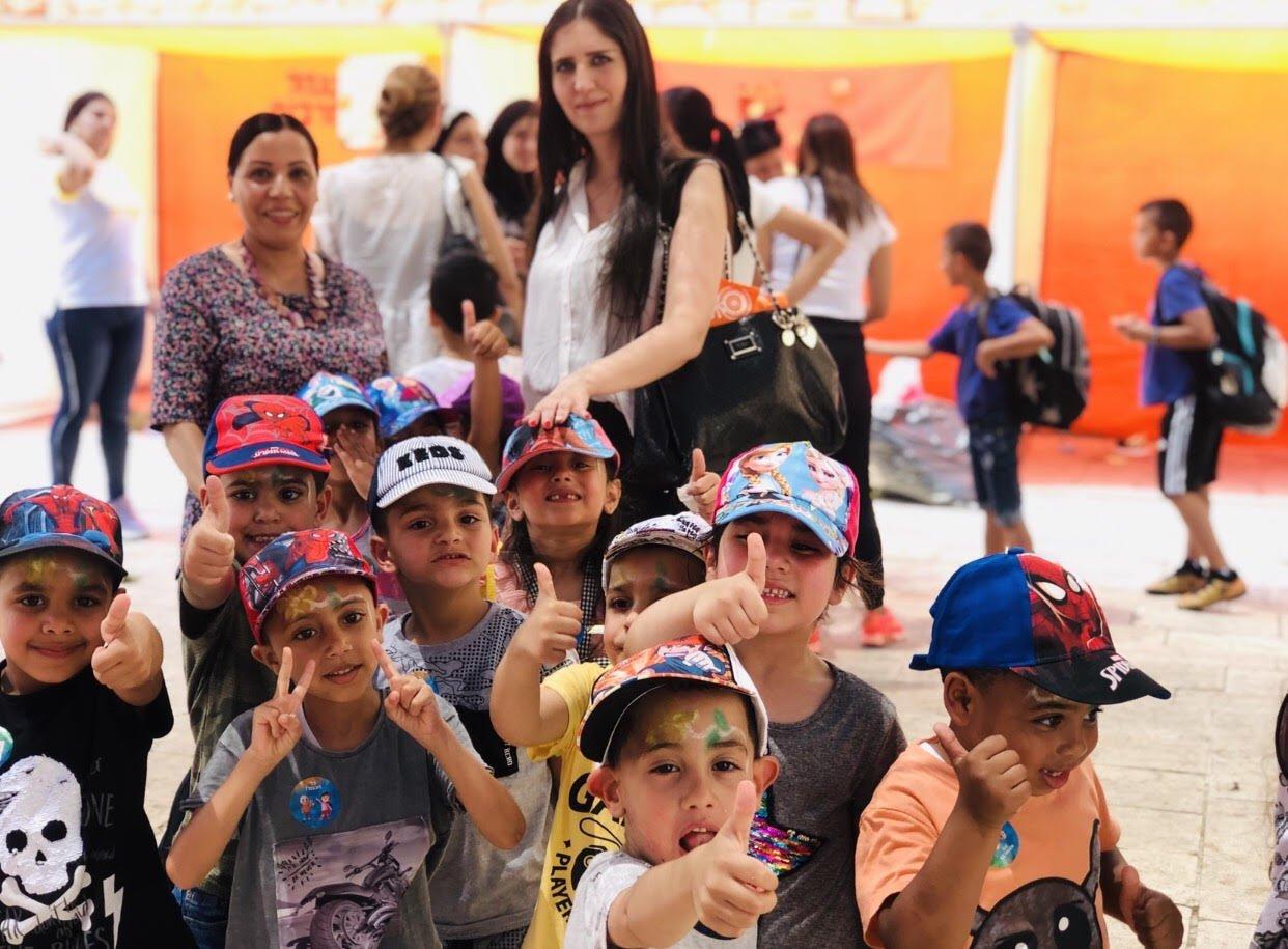 أطفال روضة النّورس في مدينة عكا يحتفلون بيوم القمَّة