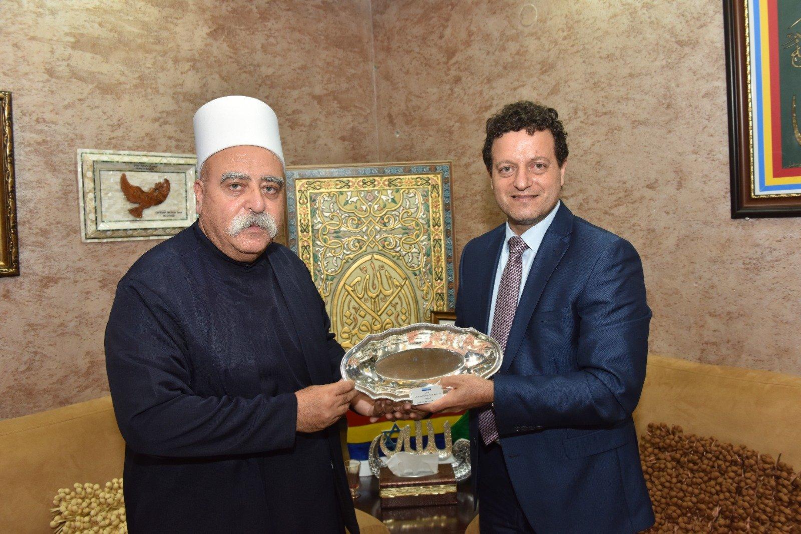 عشية العيد: رئيس مجلس إدارة لئومي د. سامر حاج يحيى يزور الشيخ موفق طريف-0