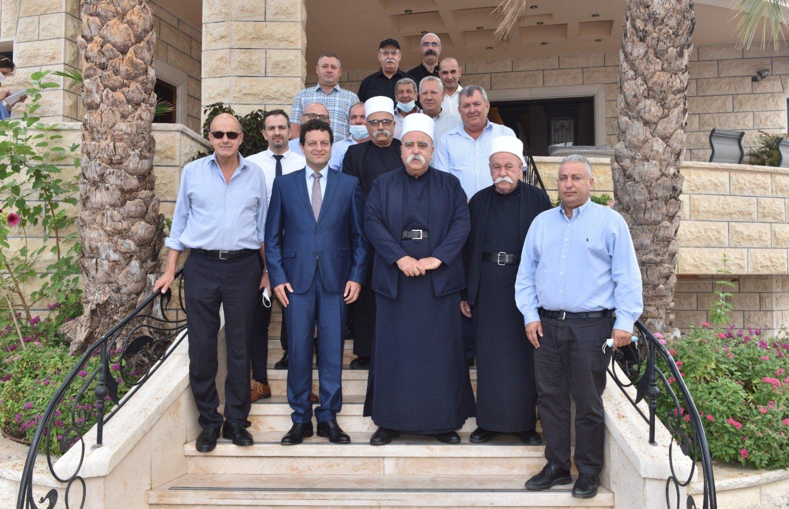 عشية العيد: رئيس مجلس إدارة لئومي د. سامر حاج يحيى يزور الشيخ موفق طريف-3