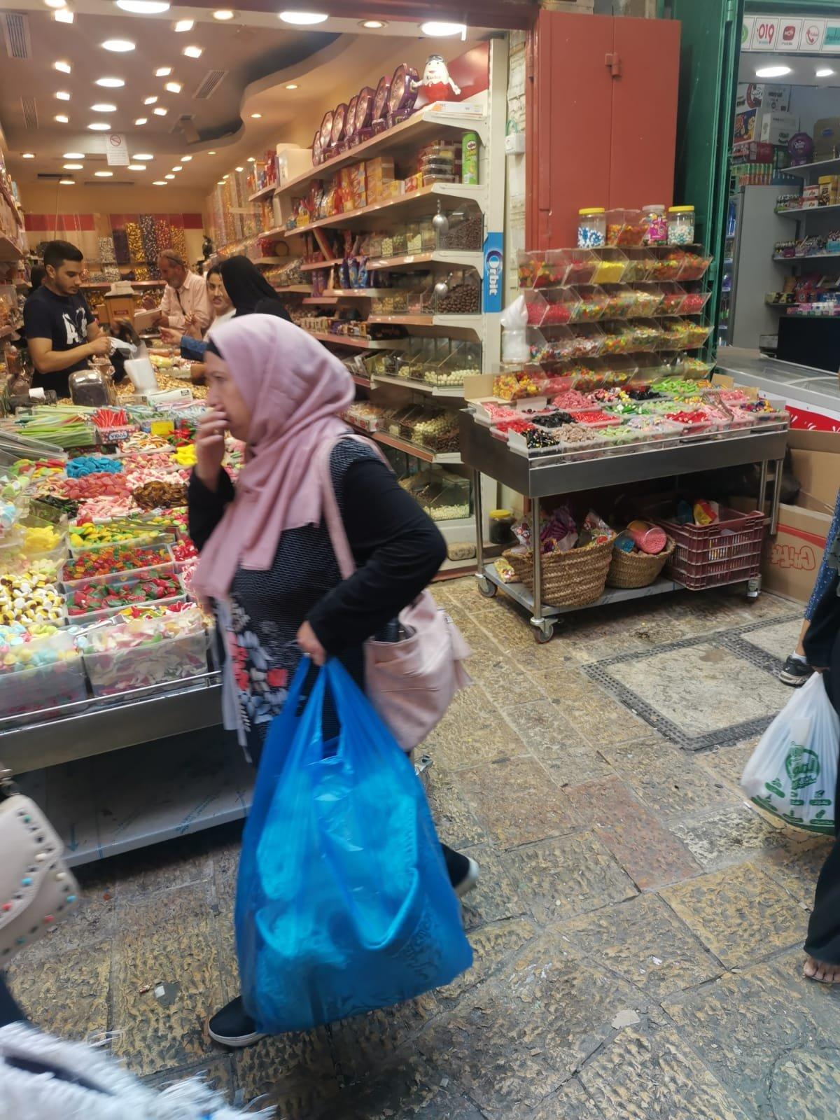 قبيل عيد الأضحى .. الأوضاع الاقتصادية والسياسية تلقي بظلالها على أسواق القدس-0