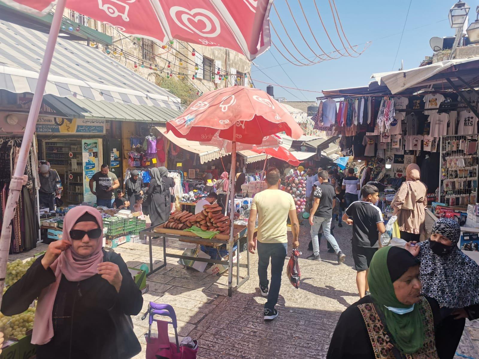 قبيل عيد الأضحى .. الأوضاع الاقتصادية والسياسية تلقي بظلالها على أسواق القدس-2