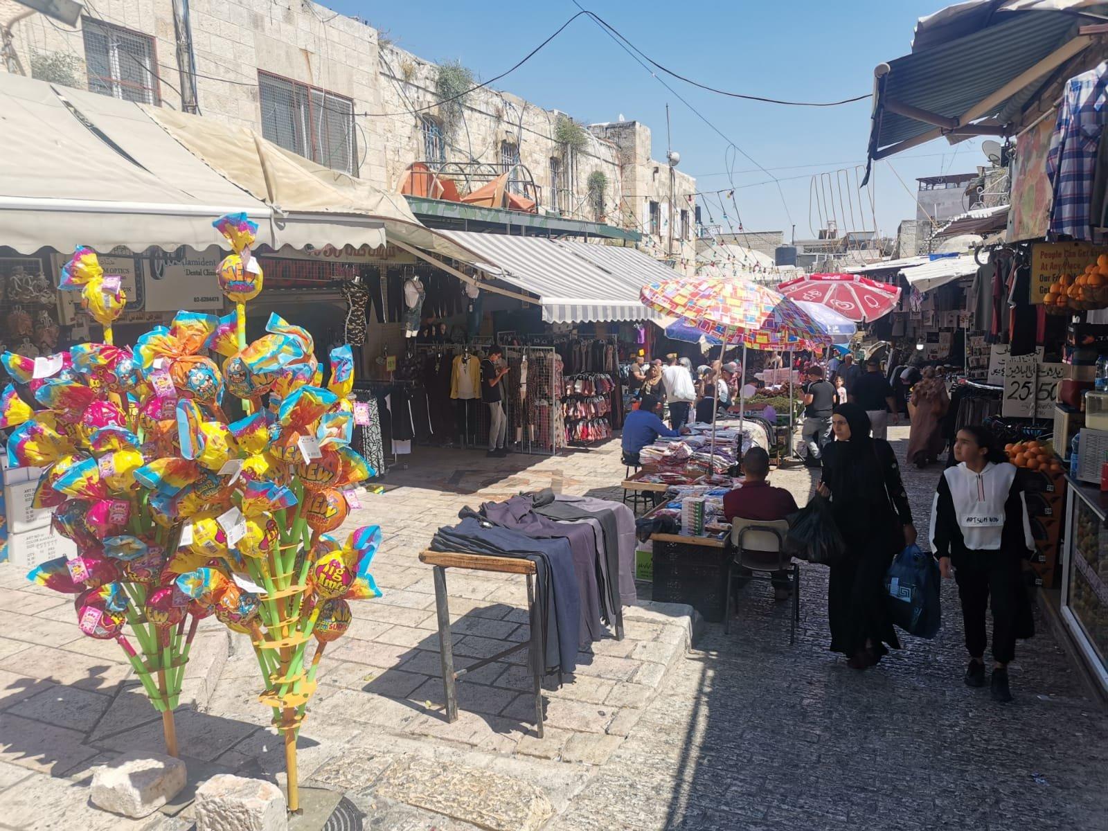 قبيل عيد الأضحى .. الأوضاع الاقتصادية والسياسية تلقي بظلالها على أسواق القدس-5