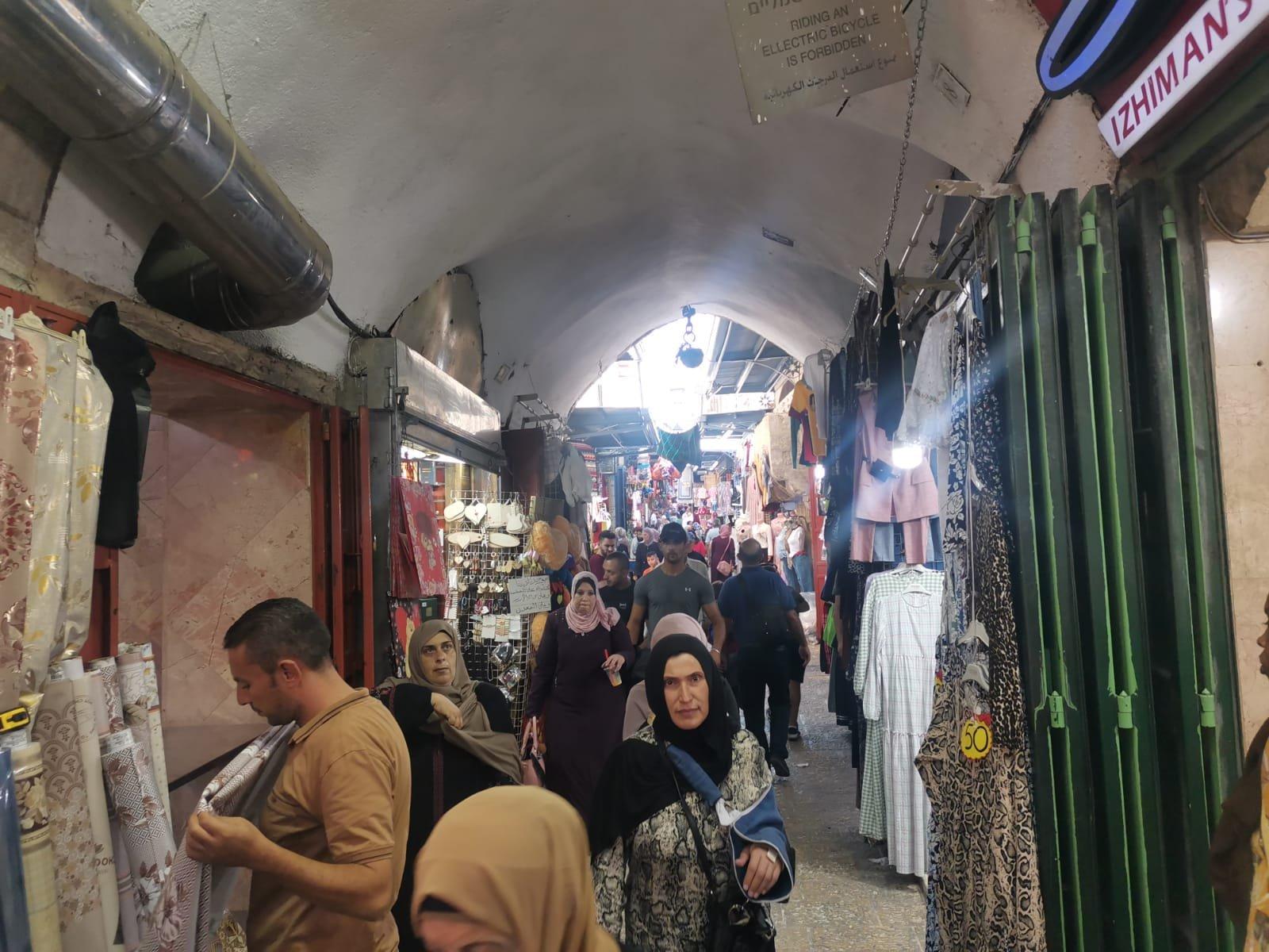 قبيل عيد الأضحى .. الأوضاع الاقتصادية والسياسية تلقي بظلالها على أسواق القدس-8