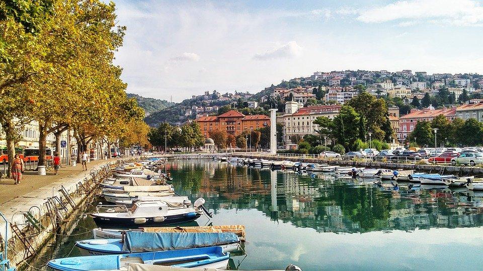 استكشاف كرواتيا من رييكا الساحلية 467132321