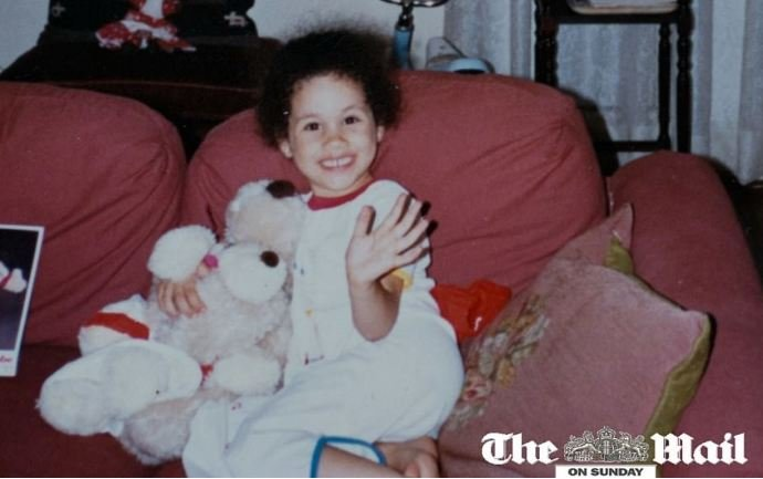 صور تُنشر للمرة الأولى.. هكذا كانت ميغان ميركل بطفولتها!