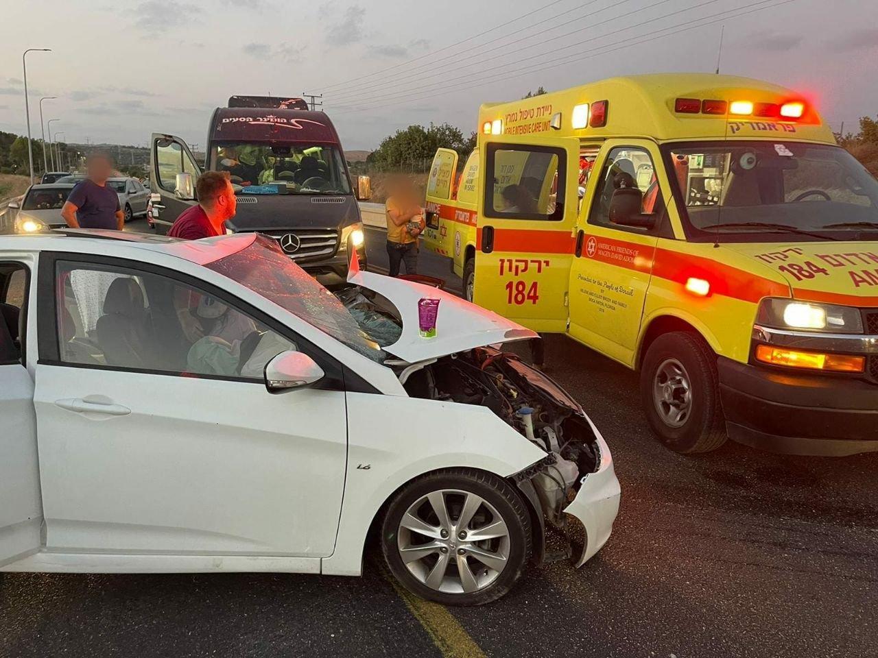 """حادث طرق على شارع 444 قرب """"بيت نحمياه"""" و- 5 اصابات-0"""