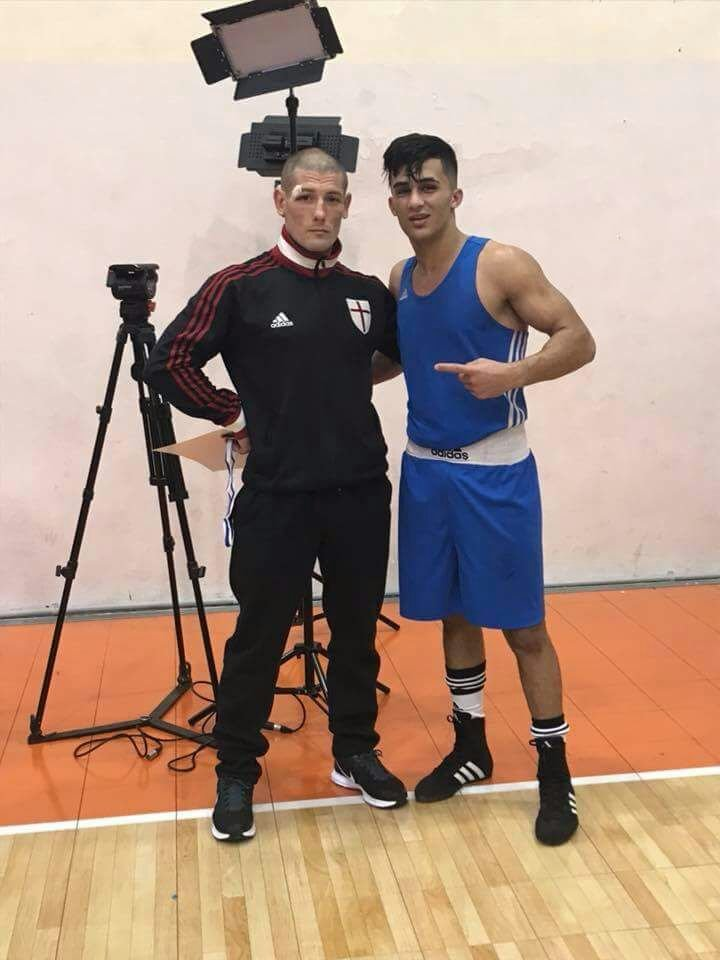 أحمد اشتيوي يدرج أفضل لاعب في البلاد ويتوج كبطل اسرائيل في وزنه