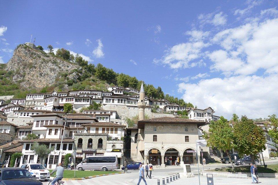 إليكم، أشهر وأجمل الأماكن السياحة في البانيا