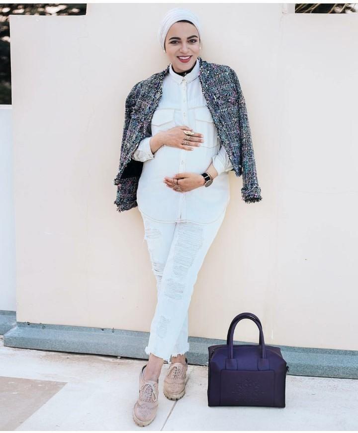 الفاشينيستا سحر فؤاد في 11 إطلالة للمحجبة الحامل