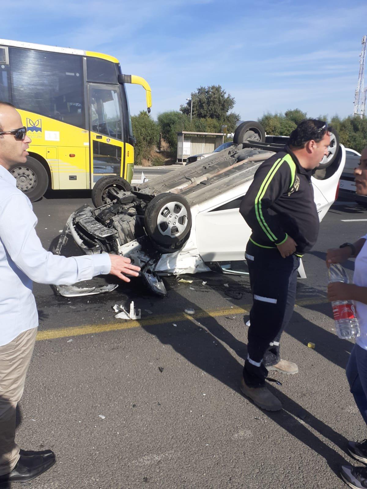 إصابة سيدة بحادث طرق قرب قرية نين