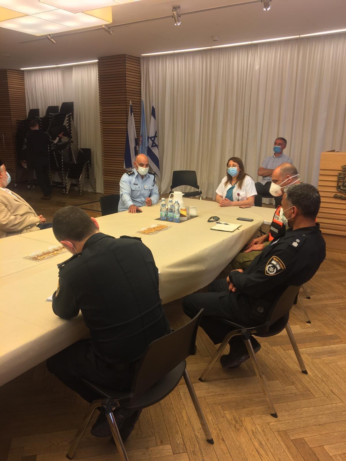 حيفا: الشرطة تبادر للقاء مع الأئمة ضمن الاستعدادات لشهر رمضان