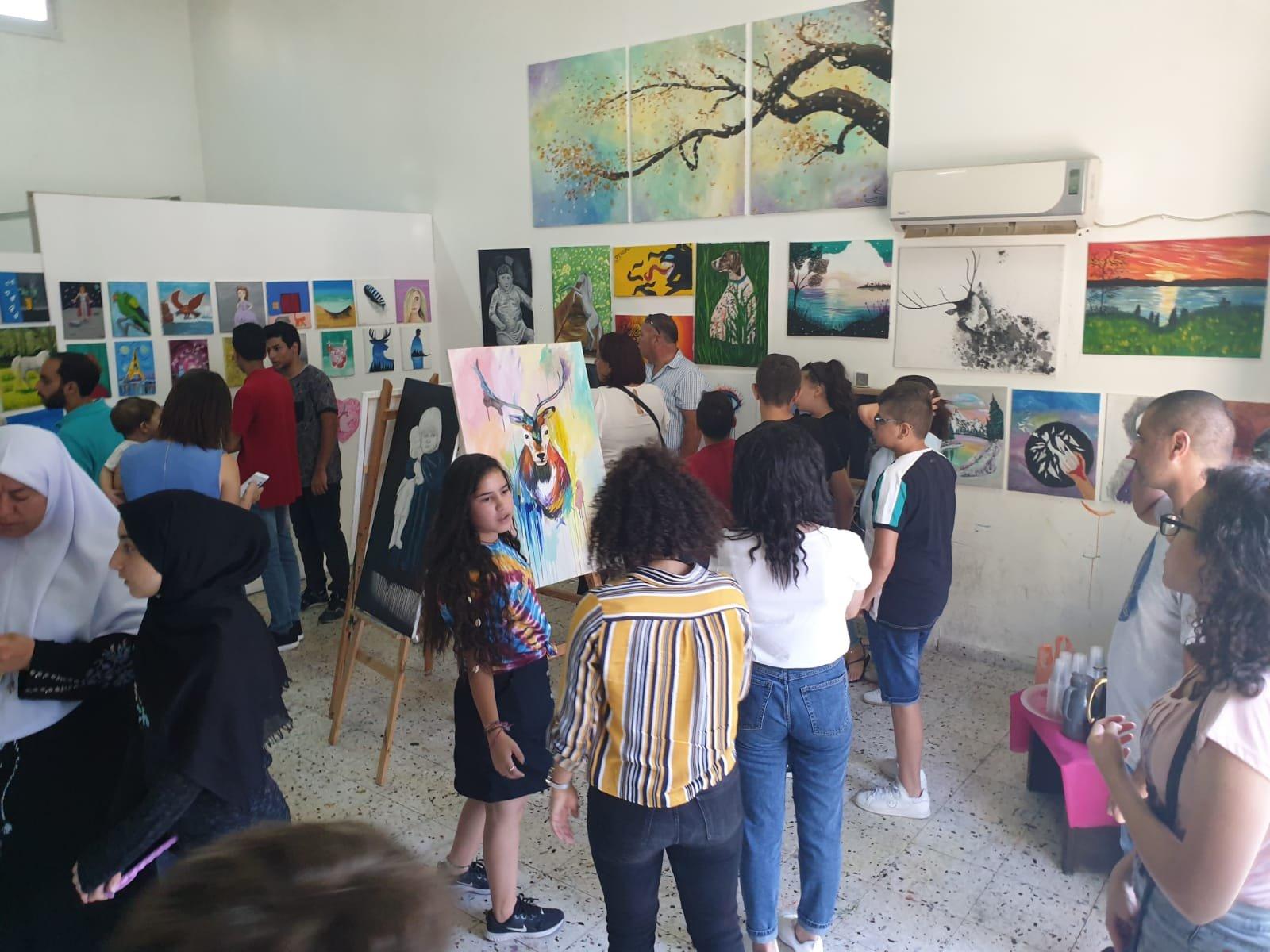 'المرسم' .. مركز لتطوير المهارات والثقافة الفنية في يافة الناصرة بإدارة الفنان جابر عباس
